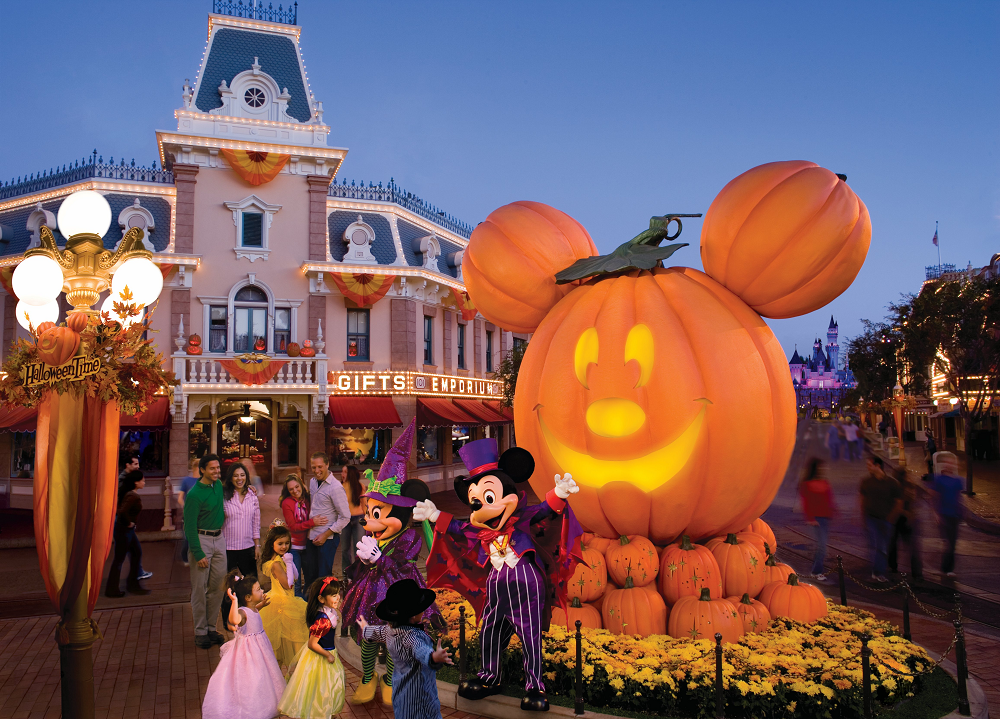 halloween-time-at-the-disneyland-resort-in-2016
