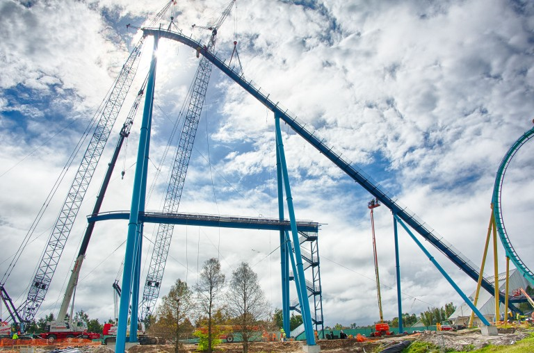 mako-coaster-at-seaworld-orlando-construction