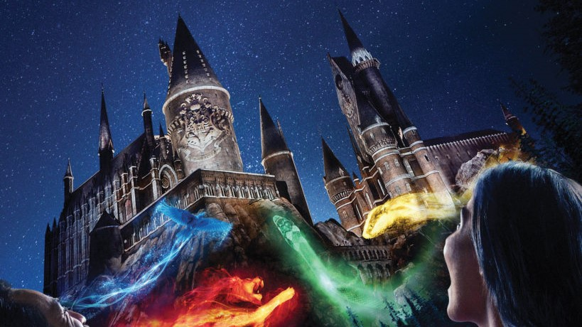 hogwarts-nighttime-lights-at-universal-orlando